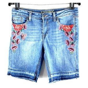 VIGOSS | The Thompson Floral Embroidered Bermudas